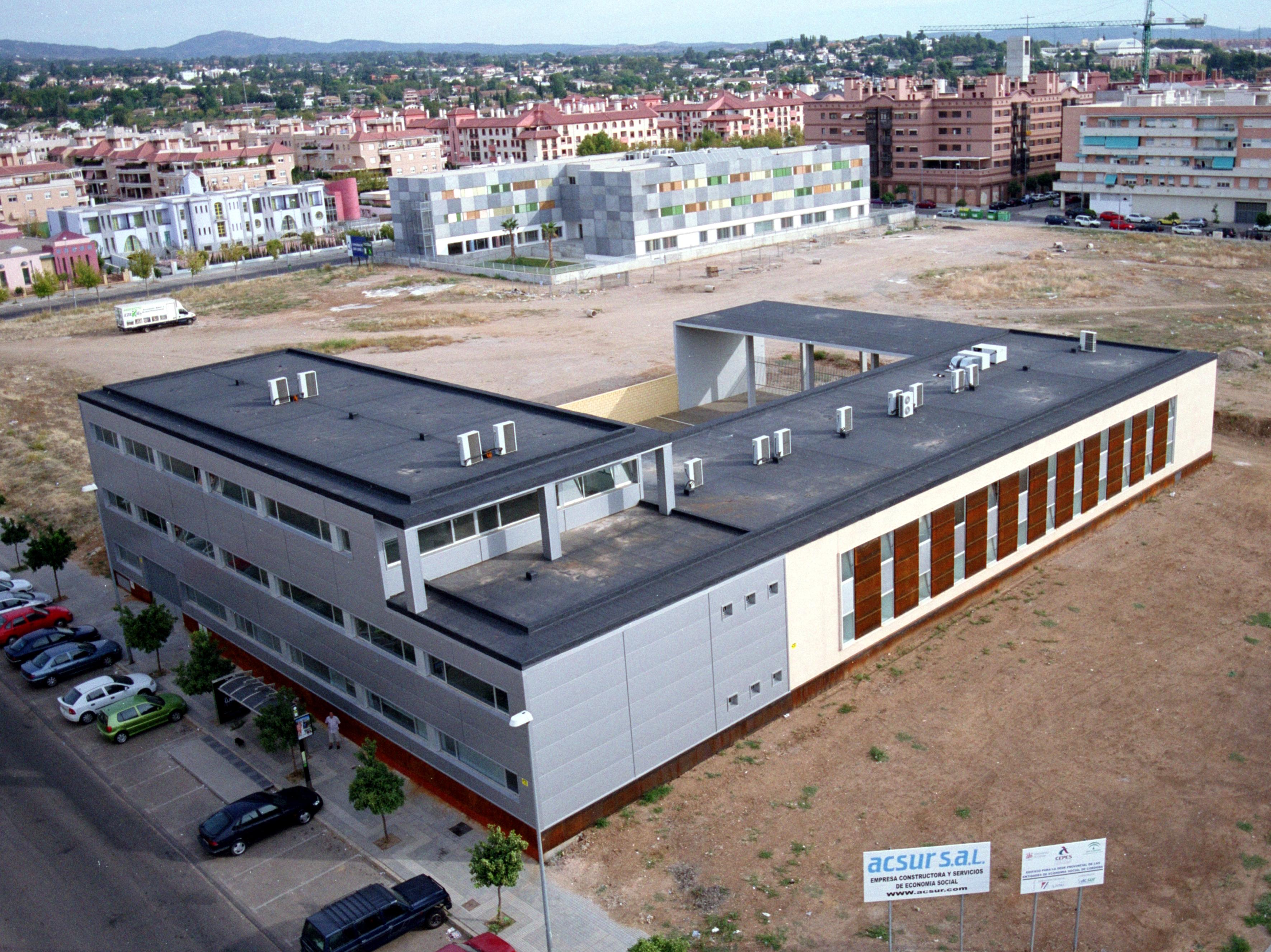 Edificio de oficinas de cepes cordoba grupo addu for Oficinas cajasur cordoba